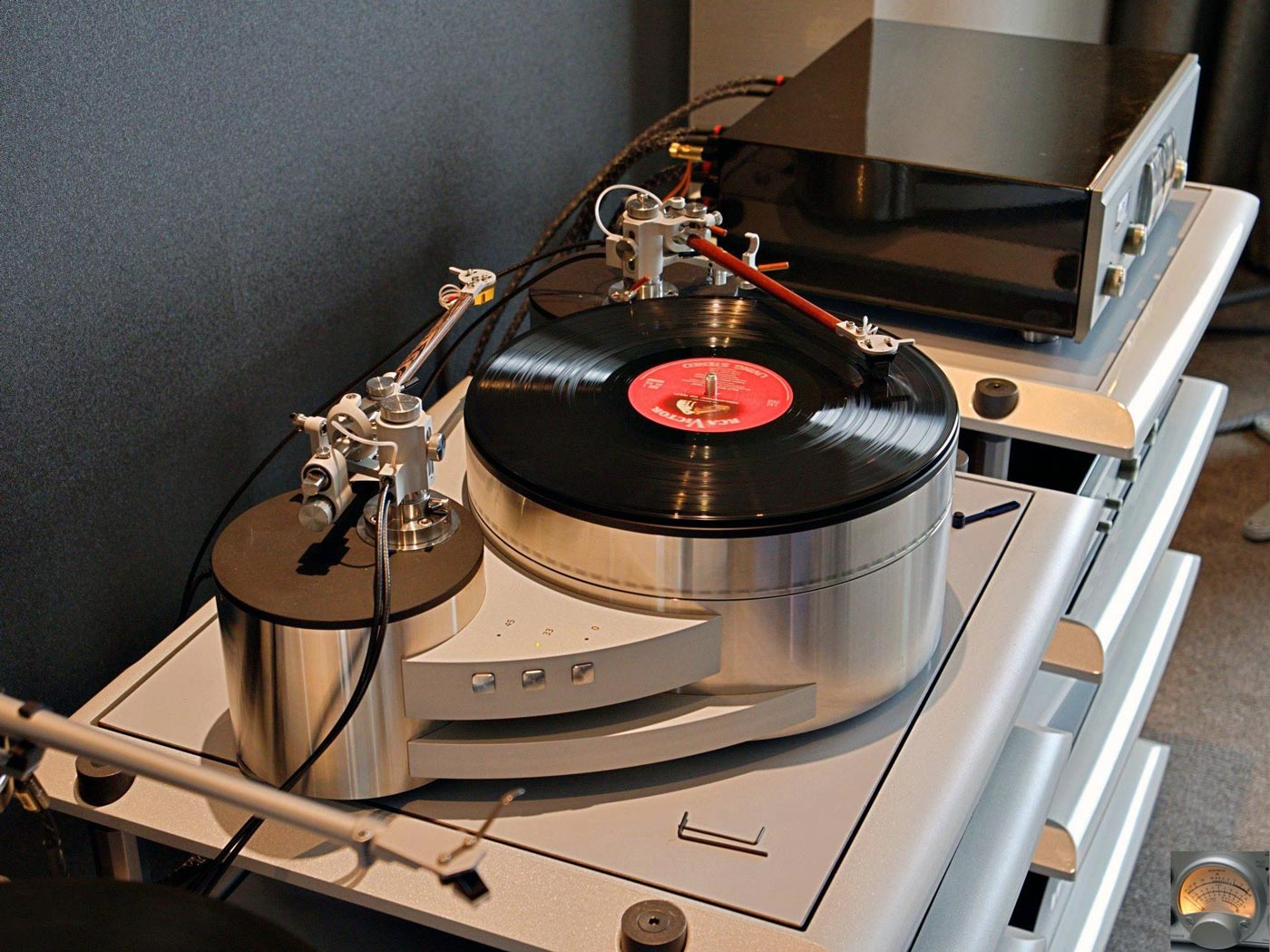Reed-Muse-3C-and-tonearms