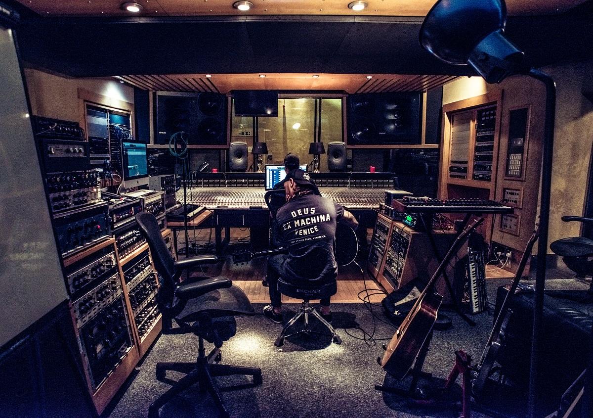 Įrašų studija B